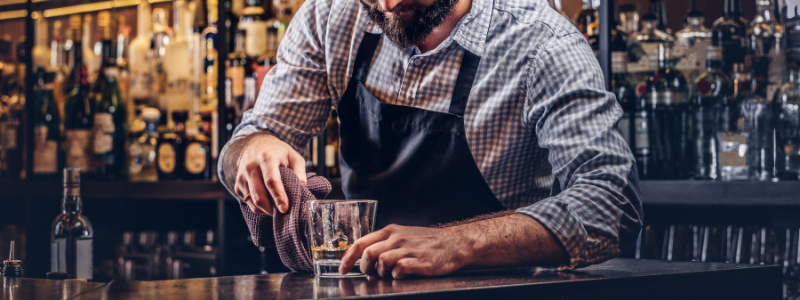 qualifications of a good bartender